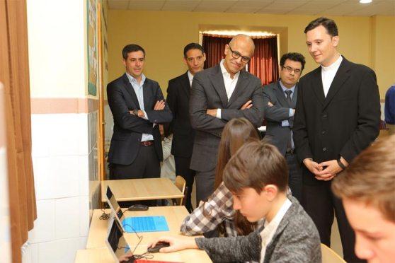 microsoft_satya-nadella_colegio