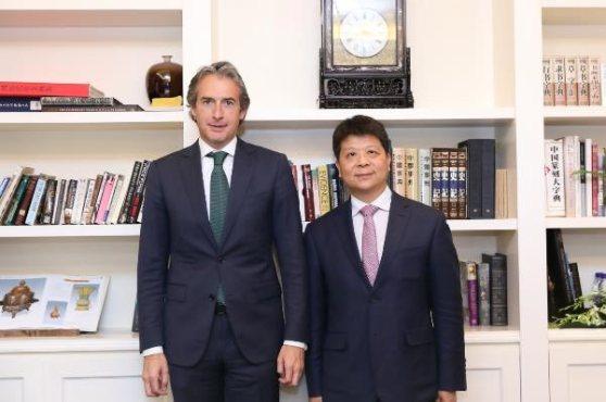 huawei_ministro-fomento_CEO.jpg