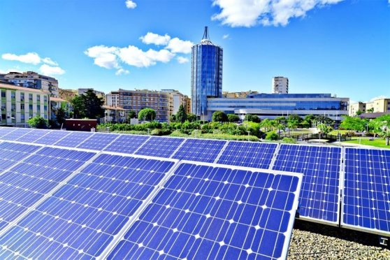 atos_dora_paneles-solares.jpg