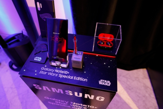 samsung_galaxy-note-10_starwars.jpg